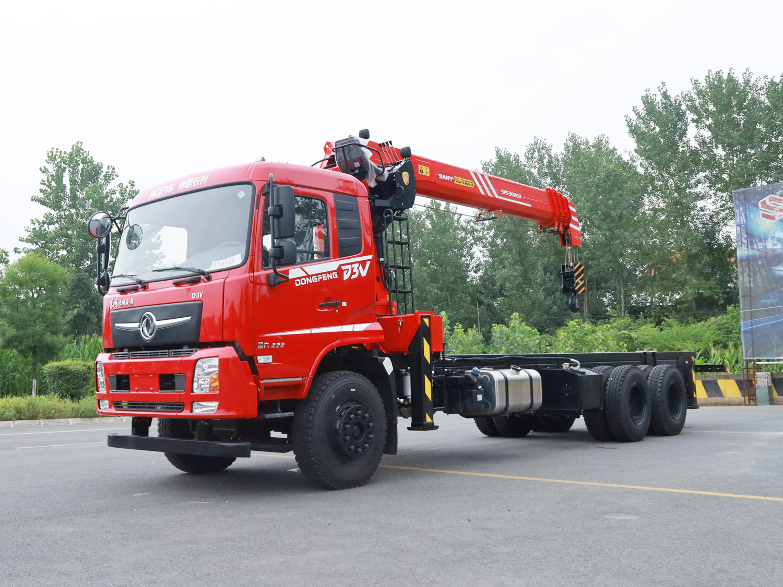 东风D3V后八轮三一12吨随车吊