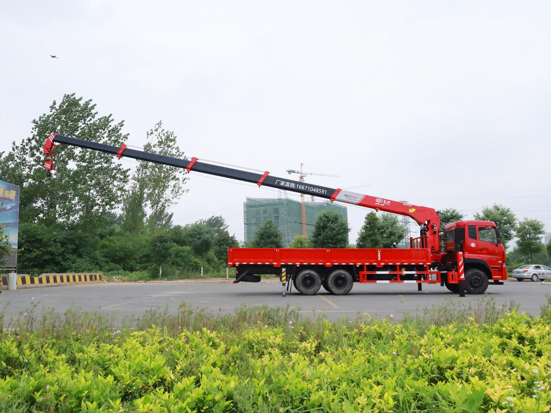 东风天龙后八轮长兴12吨随车吊全方位高清图展示