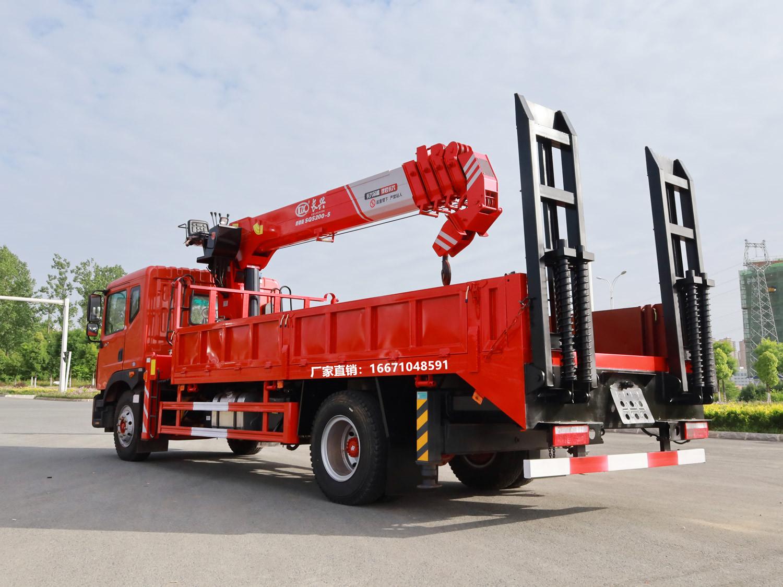 东风多利卡D9长兴8吨带爬梯全方位高清图展示