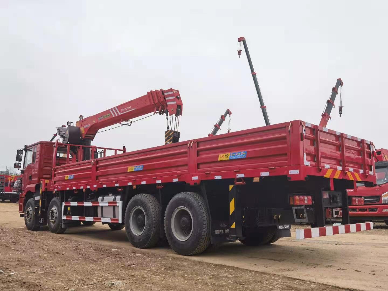 陕汽德龙前四后八三一14吨随车吊全方位高清图展示