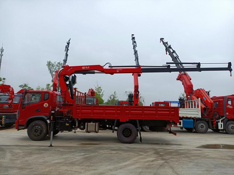 东风华神长兴6.3吨折臂随车吊