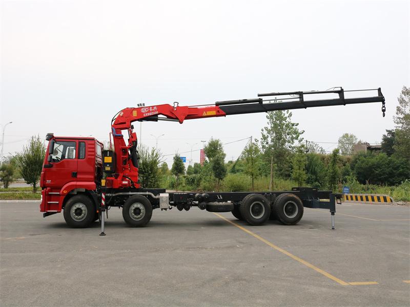 陕汽德龙前四后八长兴16吨折臂随车吊全方位高清图展示
