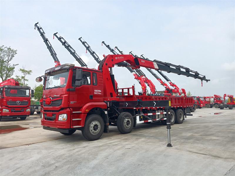 陕汽德龙前四后八长兴20吨7节折臂随车吊全方位高清图展示