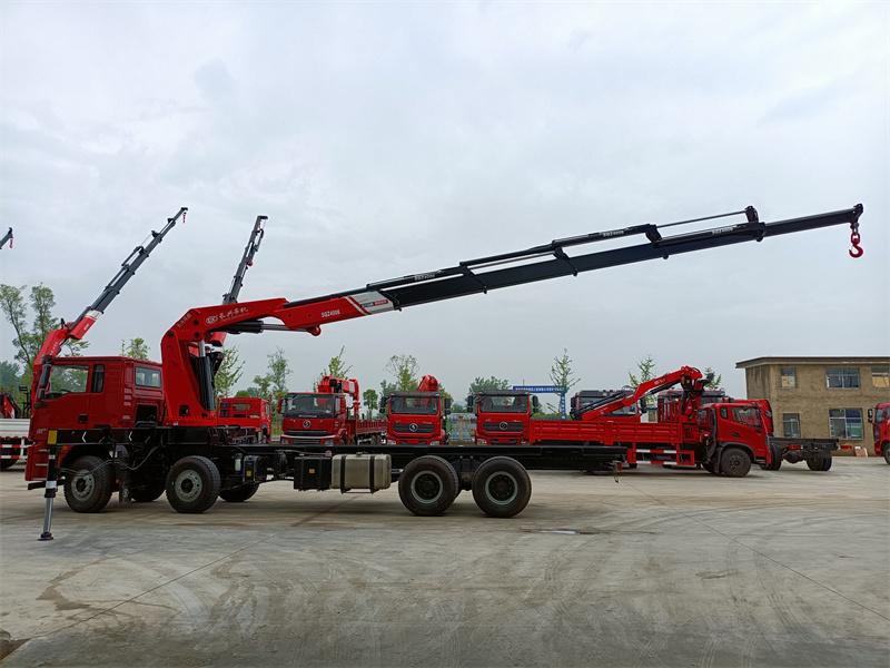 陕汽德龙前四后八长兴20吨6节折臂随车吊全方位高清图展示