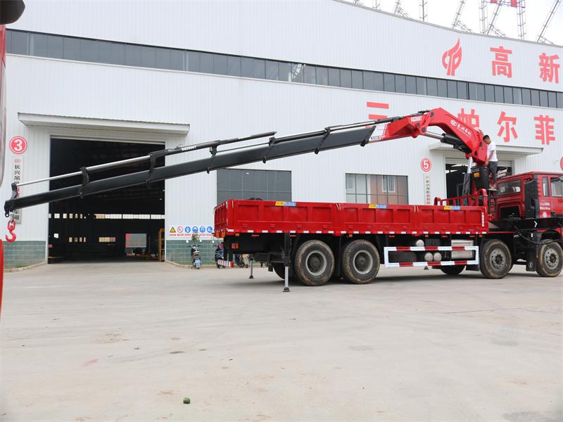 陕汽德龙前四后八长兴30吨折臂随车吊全方位高清图展示