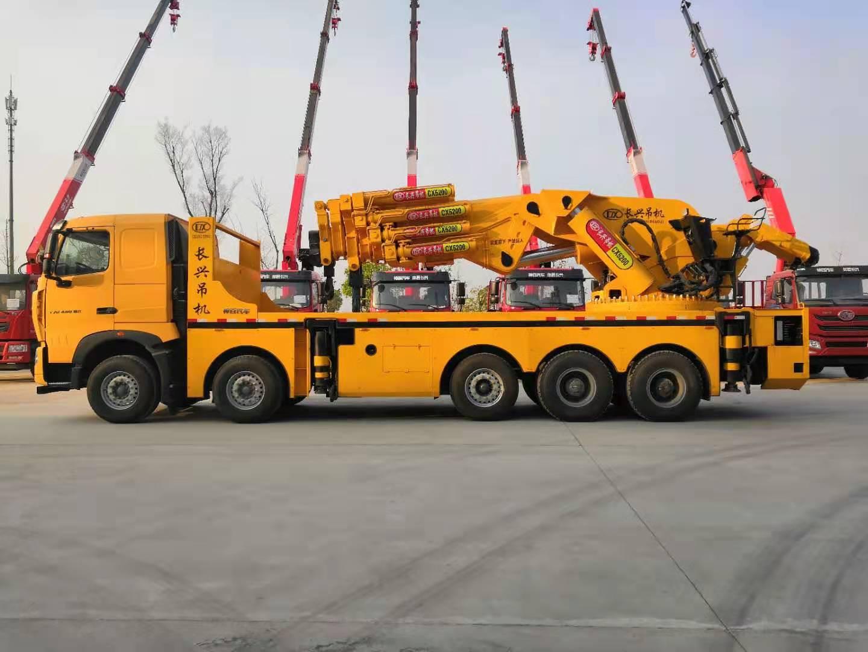 130吨汽车起重机