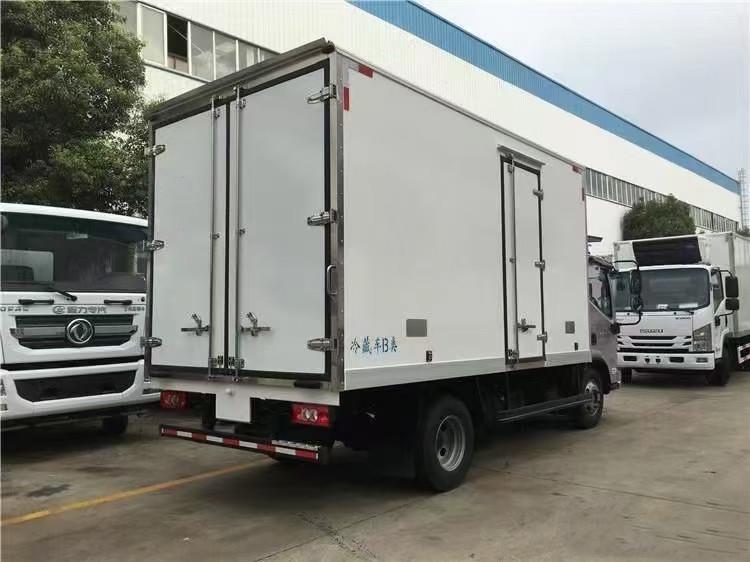 奥铃国六冷藏车全方位高清图展示