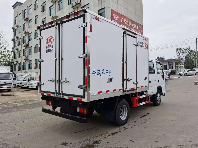 五十铃双排120马力冷藏车全方位高清图展示