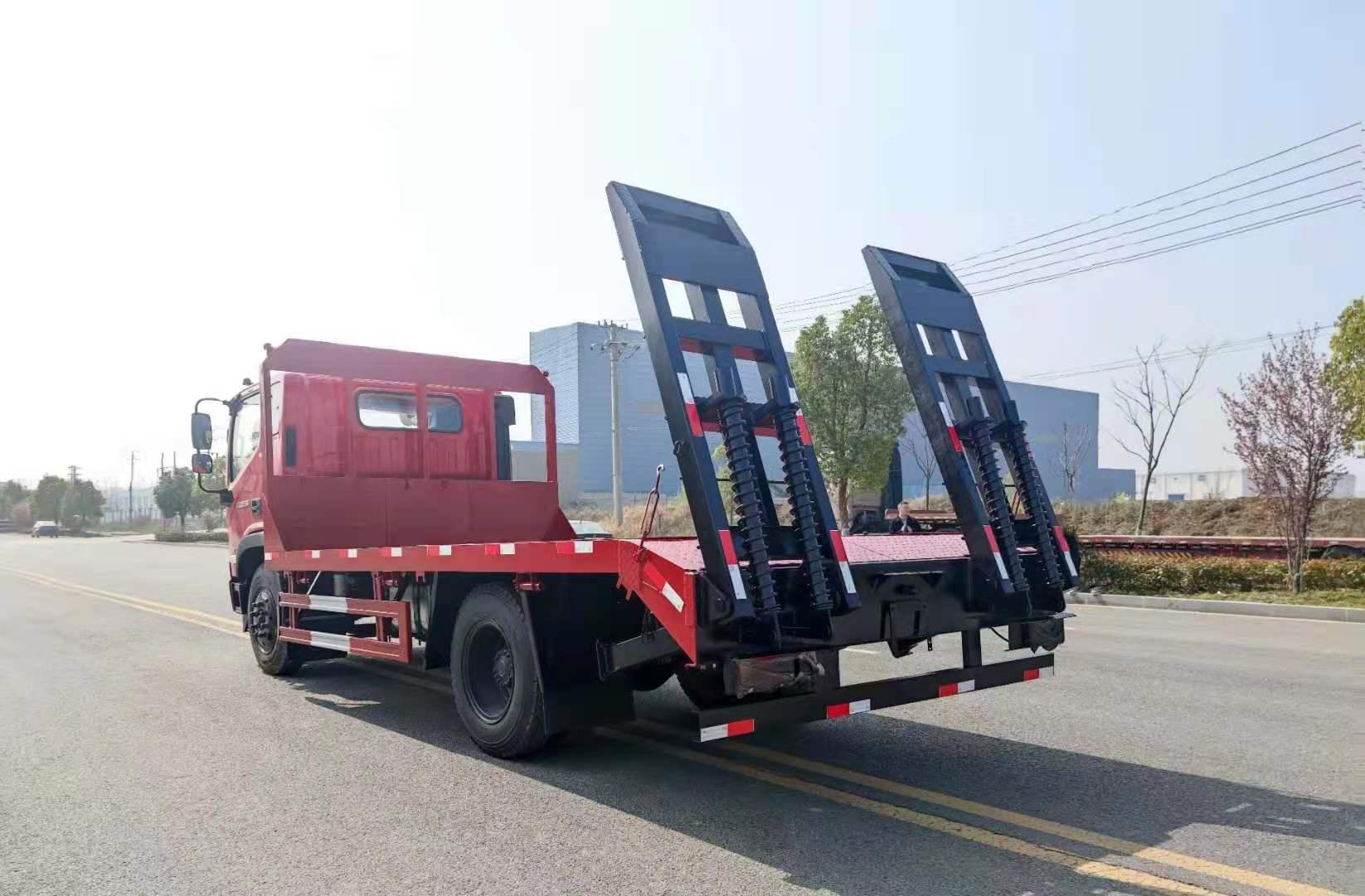 福田瑞沃国六平板运输车全方位高清图展示