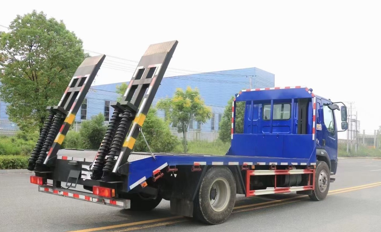 柳汽乘龙单桥平板运输车全方位高清图展示