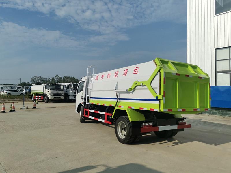 东风多利卡10方侧装挂桶式垃圾车