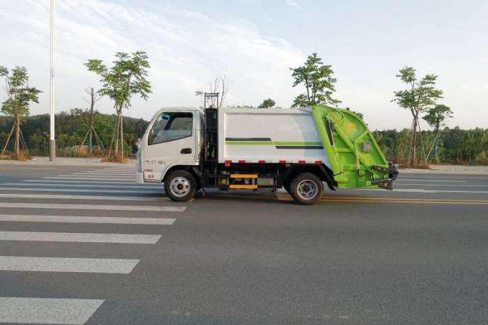 程力环卫教您如何选择压缩垃圾车