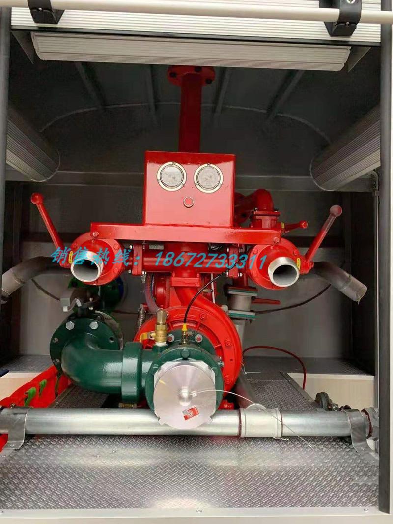 东风福瑞卡4.5方消防洒水车泵室