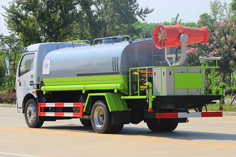 东风大多利卡9吨喷雾车