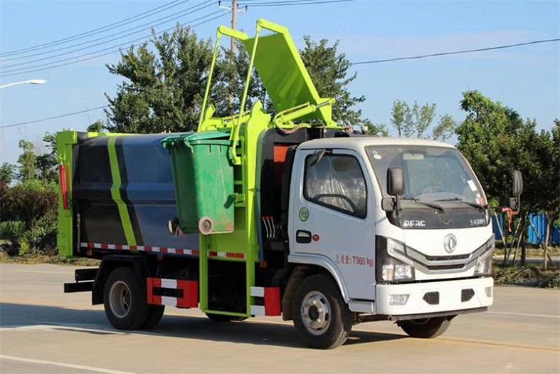 东风小多利卡6方侧装压缩垃圾车