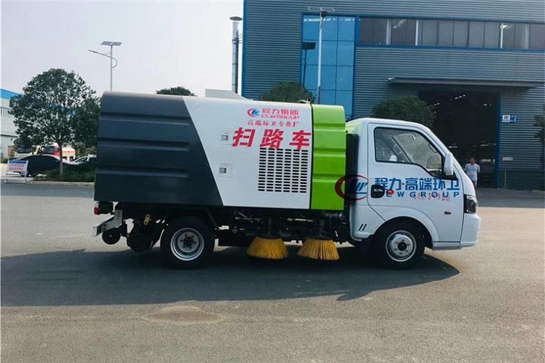 东风途逸3方(0.5水/2尘)扫路车国六