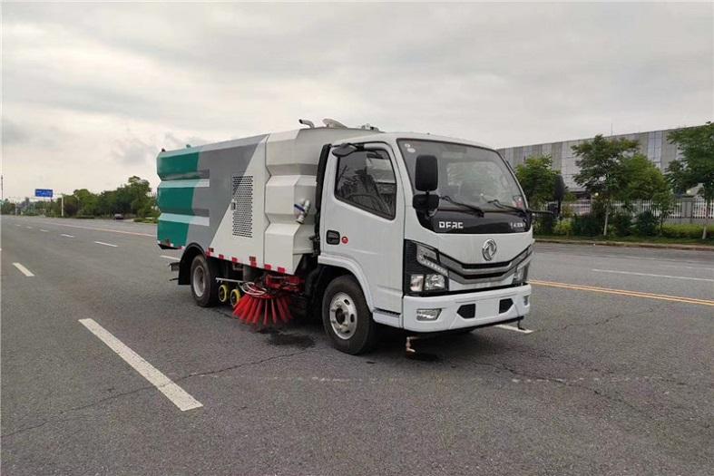 东风小多利卡6方(3.5水/2.5尘)洗扫车