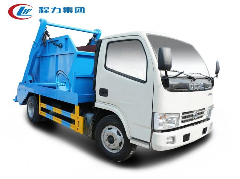 重庆东风小多利卡5-6方摆臂垃圾车