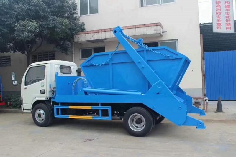 东风小多利卡5-6方摆臂垃圾车