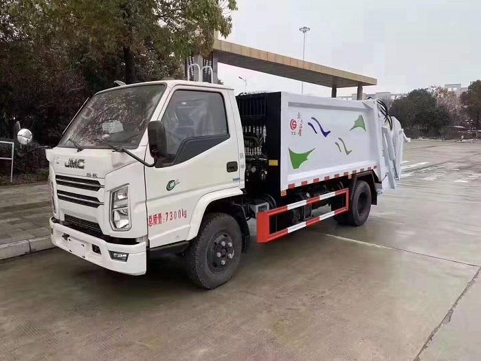 新疆国六江铃顺达5-6方压缩式垃圾车