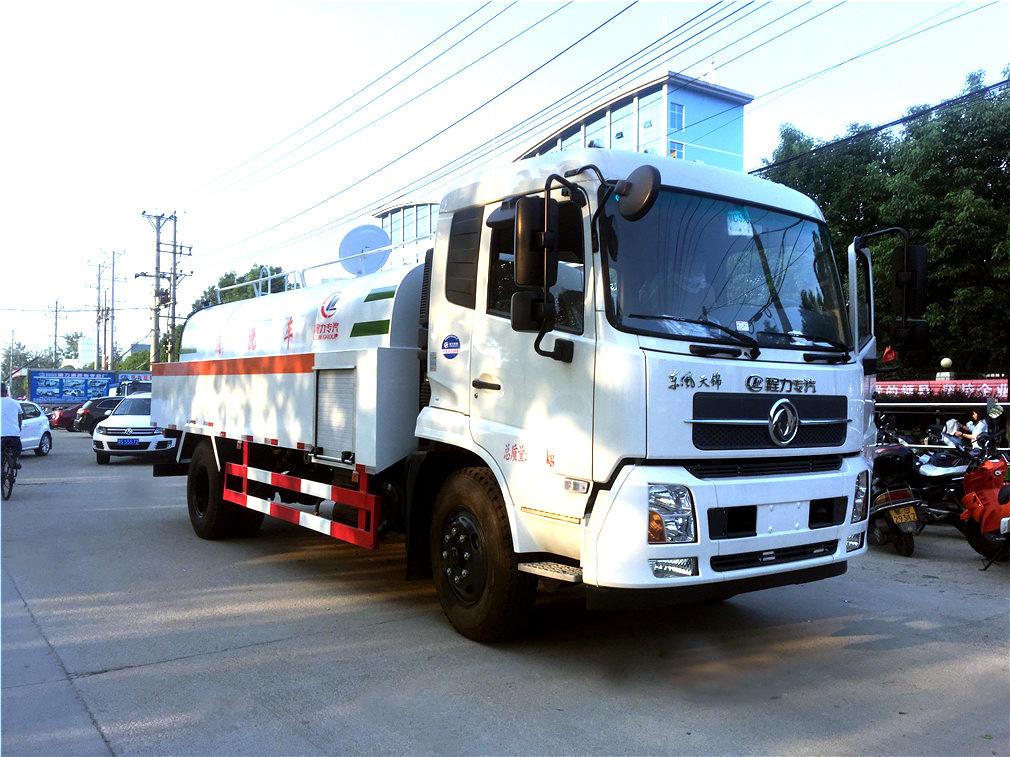 东风天锦CLW5164GQXD5高压车型简介