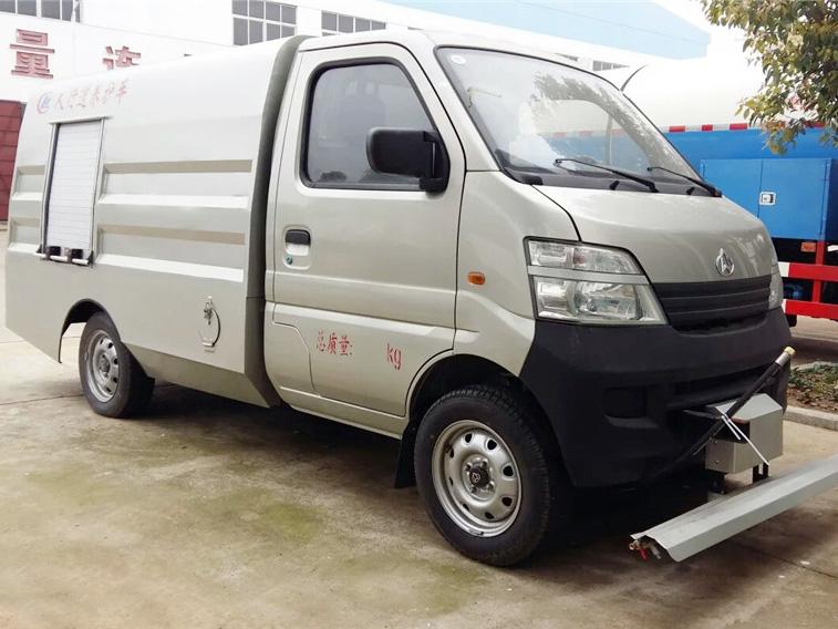 长安CLW5021GQX5路面车型简介