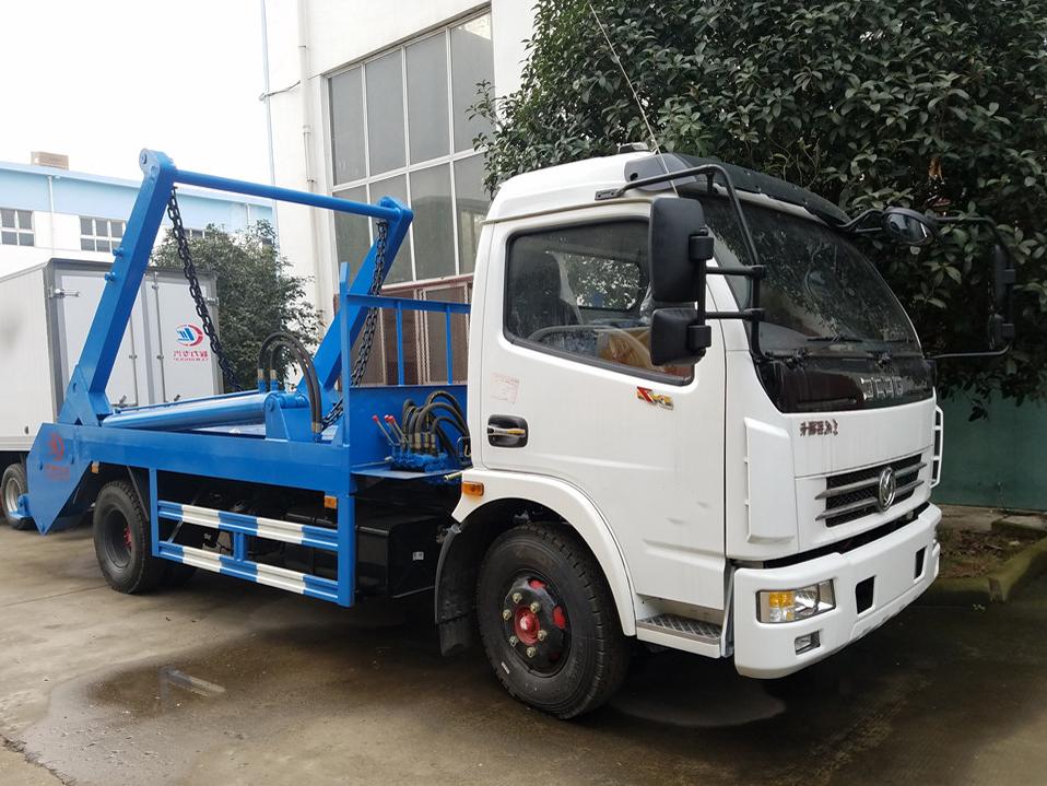 重庆东风大多利卡(8方)CLW5080ZBSD5摆臂式垃圾 车车型简介