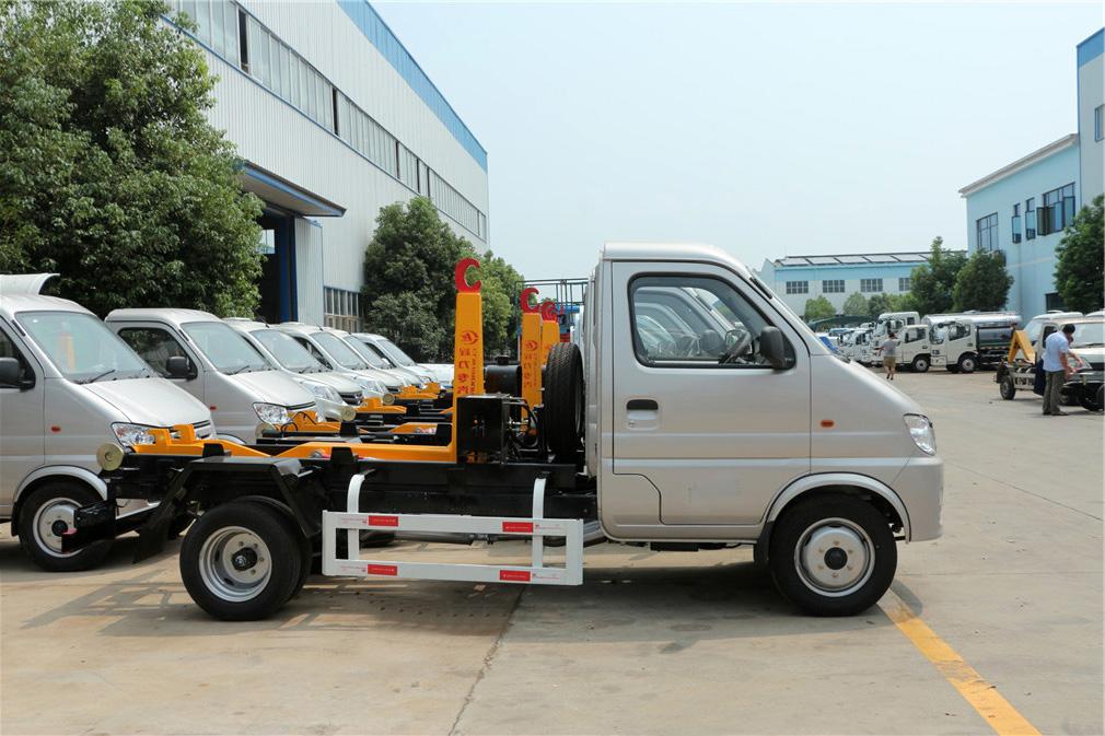 长安4方CLW5031ZXXS5车厢可卸式国际车型简介