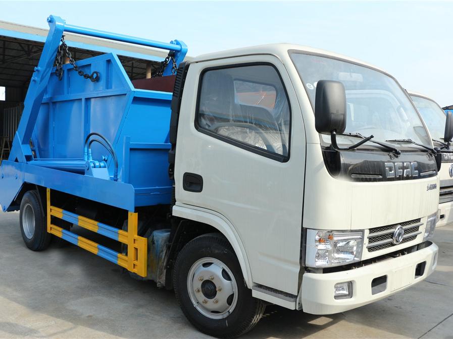 重庆东风小多利卡(5方)CLW5070ZBSD5摆臂式垃圾车车型简介
