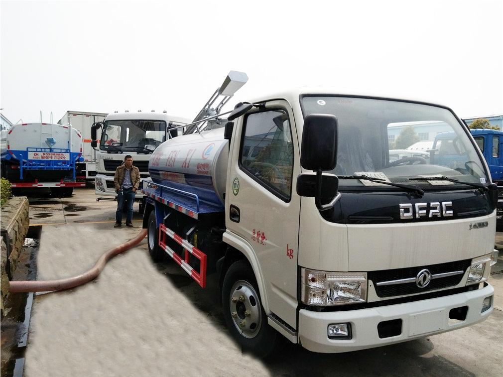 东风小多利卡(5方)CLW5070GXED5吸粪车车型简介